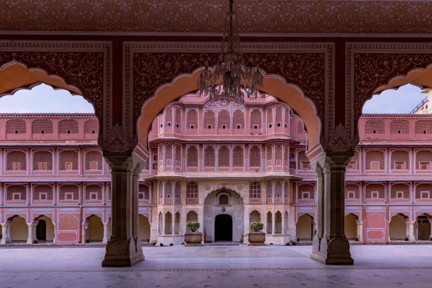 Where To Stay in While Jaipur Tour?
